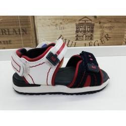 Sandalia moda con velcros...